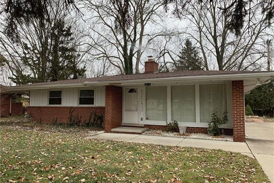 3 bed 2 bath Single Family at 29604 CHELMSFORD RD SOUTHFIELD, MI, 48076 is for sale at 156k - google static map