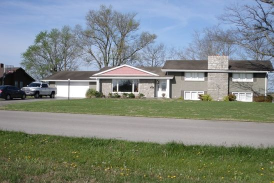 4 bed 3.5 bath Single Family at 367 Country Club Est Glasgow, KY, 42141 is for sale at 289k - google static map