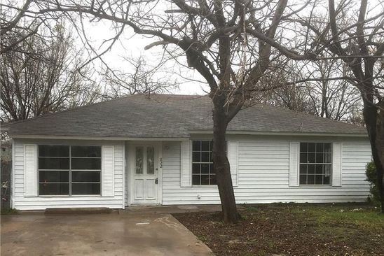 3 bed 1 bath Single Family at 822 APACHE TRCE GRAND PRAIRIE, TX, 75051 is for sale at 145k - google static map