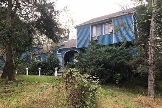 4 bed 4 bath Single Family at 142 McLain St Bedford Corners, NY, 10549 is for sale at 699k - google static map