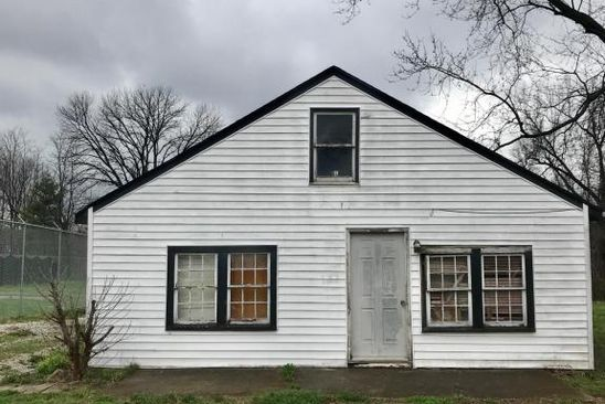 2 bed 1 bath Single Family at 704 W Broadway St Bardstown, KY, 40004 is for sale at 30k - google static map