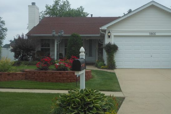 2 bed 2 bath Single Family at 1866 LONGBOAT DR ELK GROVE VILLAGE, IL, 60007 is for sale at 279k - google static map