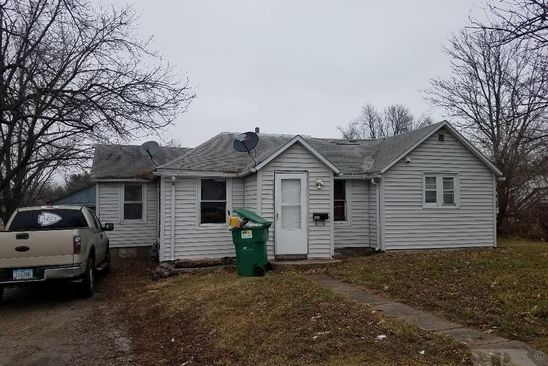2 bed 1 bath Single Family at 1533 Iowa Ave Chariton, IA, 50049 is for sale at 40k - google static map