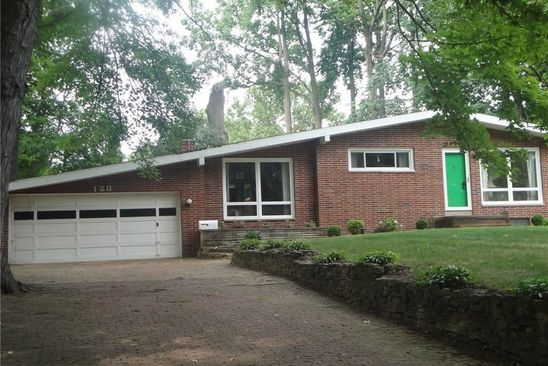 3 bed 2 bath Single Family at 128 MILLWOOD AVE MUNROE FALLS, OH, 44262 is for sale at 160k - google static map