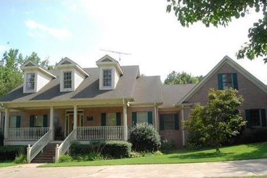 Pleasant 1290 Unzell Ct Madison Ga 30650 Realestate Com Home Interior And Landscaping Spoatsignezvosmurscom
