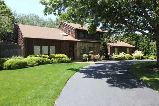 7 bed 5 bath Miscellaneous at 24-26 Eastwood Pl Commack, NY, 11725 is for sale at 749k - google static map