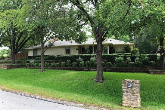 4 bed 4 bath Single Family at 1834 WILDWOOD DR GRAND PRAIRIE, TX, 75050 is for sale at 279k - google static map