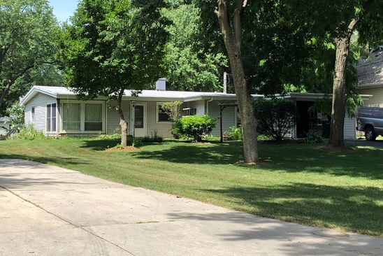 3 bed 1 bath Single Family at N326 Willow Rd Wheaton, IL, 60187 is for sale at 211k - google static map